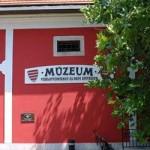 Babamúzeum, Panoptikum, Csigaparlament